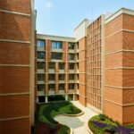 suhrc-image-03-landscaped-courtyard
