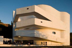 ألفارو سيزا .. الوضوح والبساطة في التصميمات المعمارية