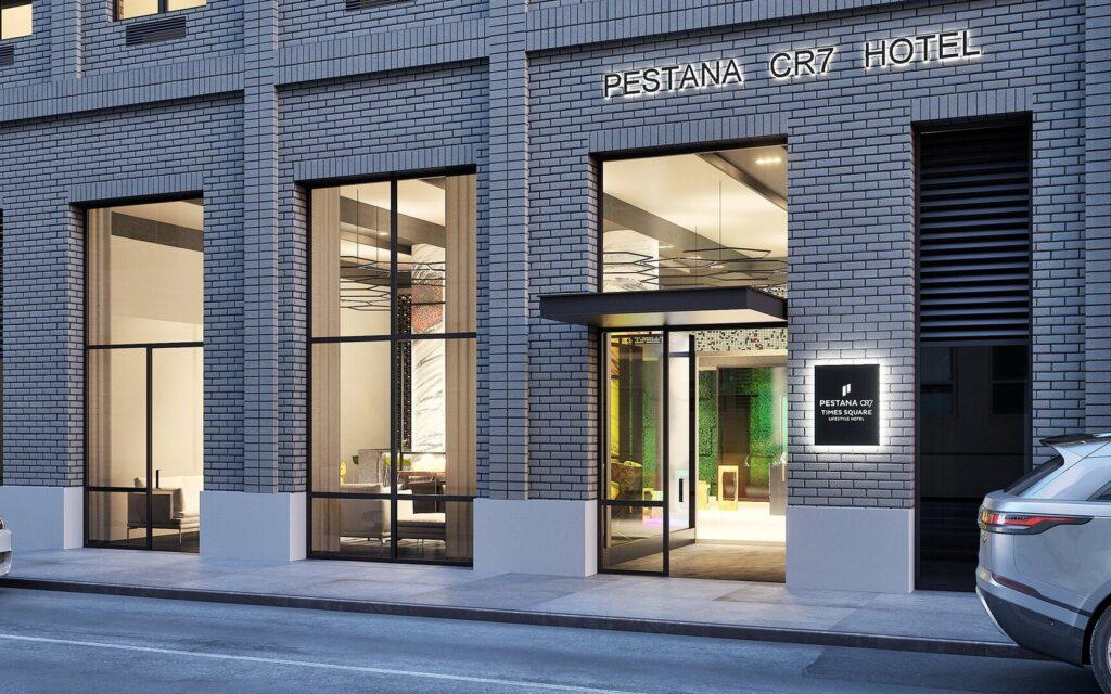 افتتاح فندق كريستيانو رونالدو الجديد في نيويورك